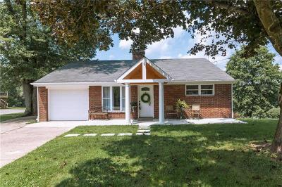 Single Family Home Sold: 861 E McMurray Rd.