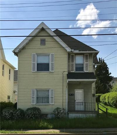 Single Family Home For Sale: 27 S Third
