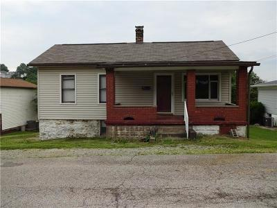 Single Family Home Contingent: 500 Jackson St