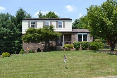 Murrysville Single Family Home For Sale: 2216 Woodmont Drive