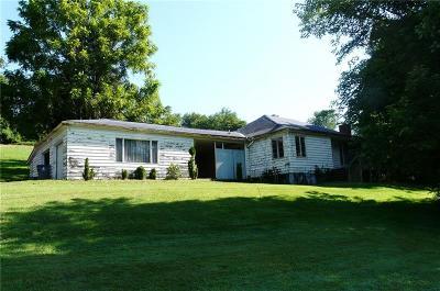 Single Family Home For Sale: 469 Venetia Rd