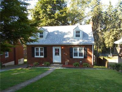 Forest Hills Boro Single Family Home For Sale: 280 Barclay Ave