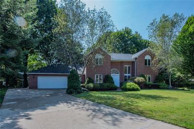 Forest Hills Boro Single Family Home For Sale: 220 Hawthorne Court