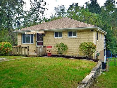 Verona Single Family Home For Sale: 6386 Leechburg