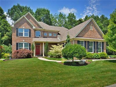 Murrysville Single Family Home For Sale: 2307 Broomsage Court