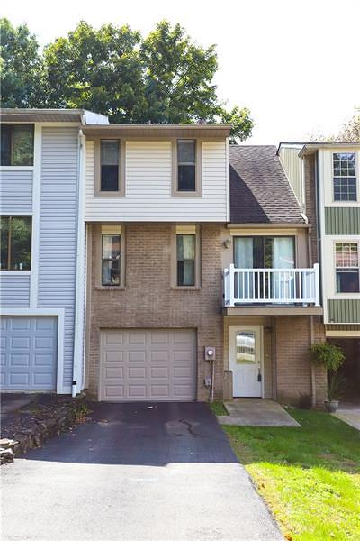 Townhouse For Sale: 225 Timber Drive
