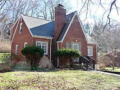 Forest Hills Boro Single Family Home For Sale: 120 Cherry Valley Rd