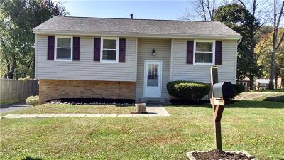 Hempfield Twp - Wml PA Single Family Home Sold: $140,000