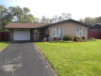 North Huntingdon Single Family Home For Sale: 523 Crestwood Dr.