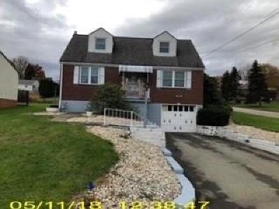 North Huntingdon Single Family Home For Sale: 530 Meadow Road