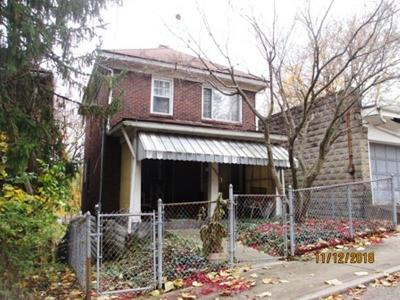 Wilkinsburg Single Family Home For Sale: 1402 Cresson St