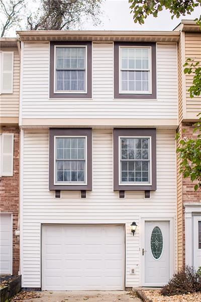 Townhouse For Sale: 296 Huntingdon Ave