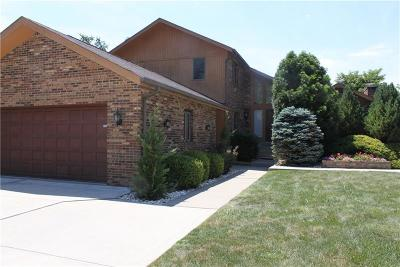 Monroeville Single Family Home For Sale: 128 Kelly Ct