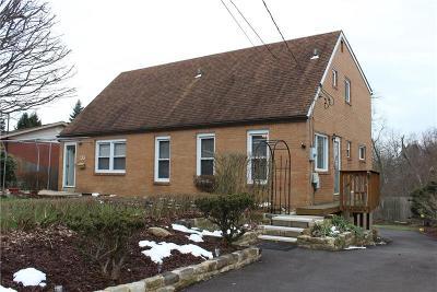Penn Hills Single Family Home For Sale: 133 Glenhurst Drive