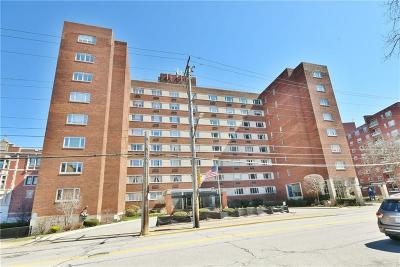 Condo/Townhouse For Sale: 128 N Craig St #716
