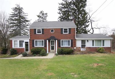 Upper St. Clair Single Family Home For Sale: 2011 Mohawk Rd