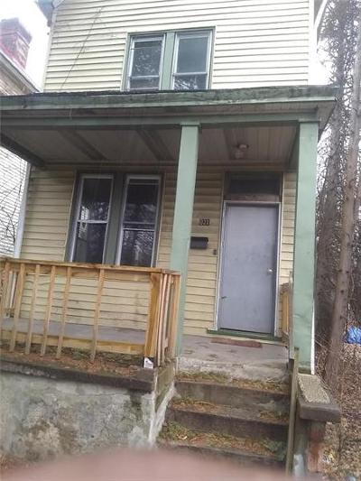 Wilkinsburg Single Family Home For Sale: 1021 Wallace
