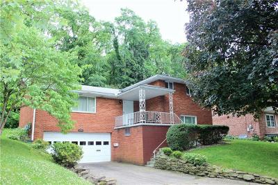 Forest Hills Boro Single Family Home For Sale: 256 Sharon Dr