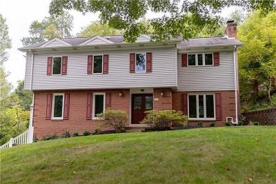 Upper St. Clair Single Family Home For Sale: 2297 Sidgefield Lane