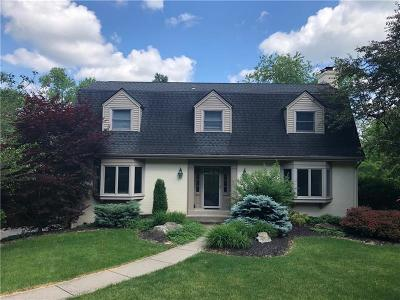 Upper St. Clair Single Family Home For Sale: 2611 Fairgreen Dr