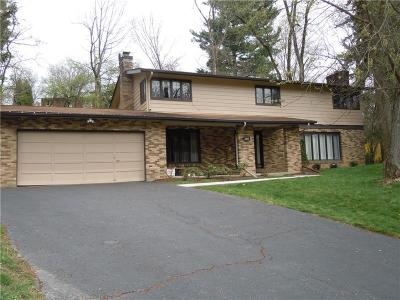 Upper St. Clair Single Family Home For Sale: 1615 Tier Dr