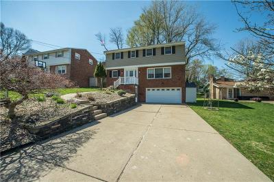 Bethel Park Single Family Home For Sale: 1276 Bethel Green Dr