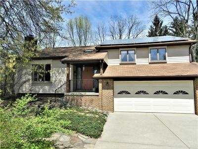 Single Family Home For Sale: 916 Essex Drive