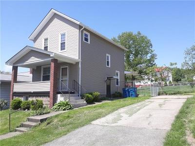 Single Family Home For Sale: 403 S 7th St