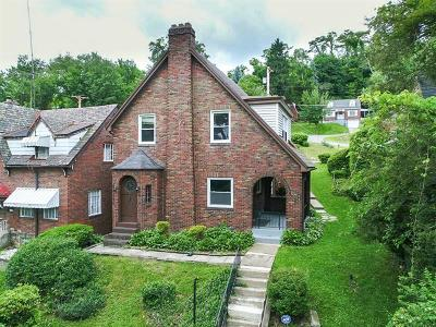 Wilkinsburg Single Family Home For Sale: 1925 Fairlawn St