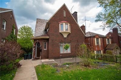 Wilkinsburg Single Family Home For Sale: 1926 Fairlawn St