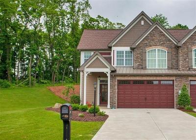 Single Family Home For Sale: 102 Meadow Court