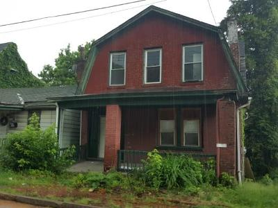 Wilkinsburg Single Family Home For Sale: 1207 Montier St