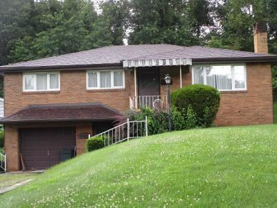 North Huntingdon Single Family Home For Sale: 13904 Marven Dr