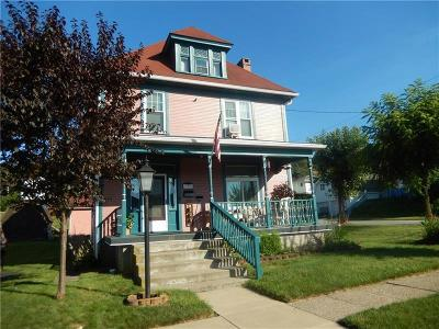 Single Family Home For Sale: 301 S 5th Street