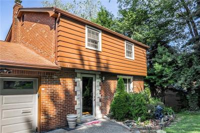 Forest Hills Boro Single Family Home For Sale: 218 Castlegate