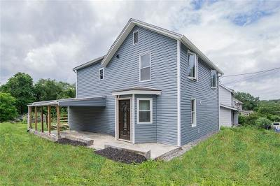 Single Family Home For Sale: 590 Brownstown Rd.