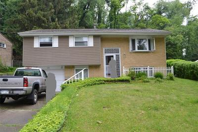 Verona Single Family Home For Sale: 165 Fox Chase Dr