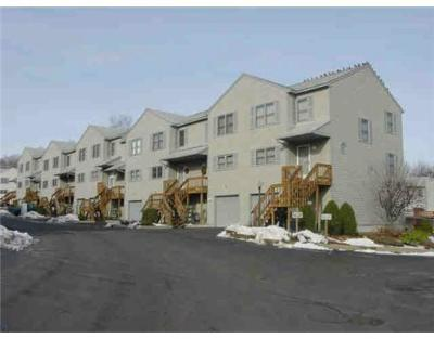 Johnston Condo/Townhouse For Sale: 1603 Plainfield Pike F1 #F1