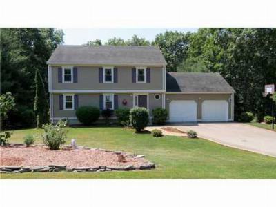 South Kingstown RI Single Family Home Sold: $375,000