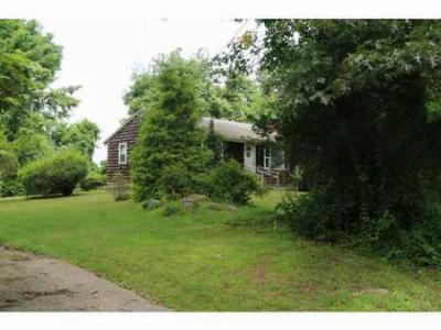 South Kingstown RI Single Family Home Sold: $149,000