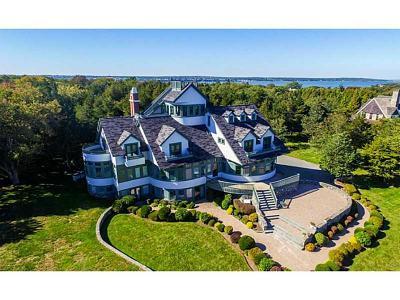 Jamestown Single Family Home For Sale: 589 Beavertail Rd