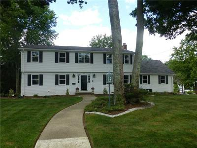 Cranston Single Family Home For Sale: 205 Meshanticut Valley Pkwy