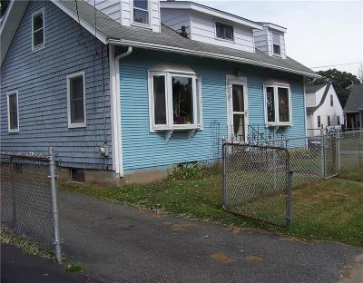 East Providence Single Family Home For Sale: 20 Spring St