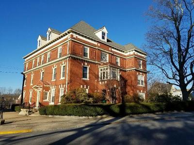 Woonsocket Single Family Home Act Und Contract: 94 Carrington Av