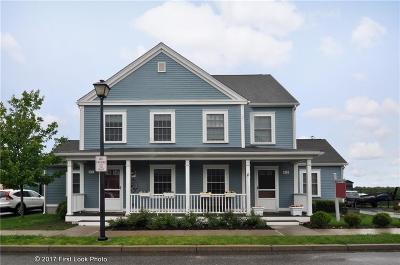 Newport Single Family Home For Sale: 4-2 Sgt Weidemann