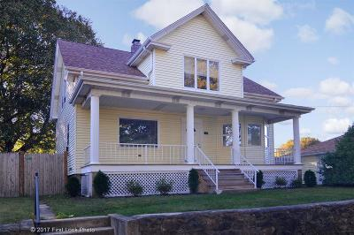 Johnston Single Family Home For Sale: 10 South Long St
