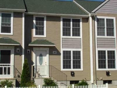 Pawtucket Condo/Townhouse For Sale: 141 South Bend St, Unit#7 #7