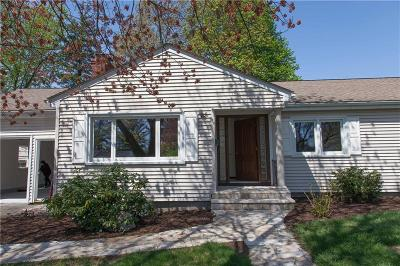 Cranston Single Family Home For Sale: 25 Glen View Dr