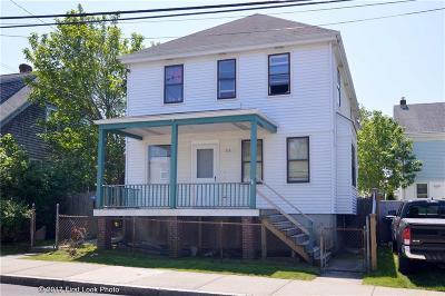 Newport Multi Family Home For Sale: 115 Van Zandt Av