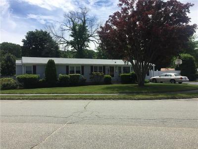 Cranston Single Family Home For Sale: 215 Lake Garden Dr